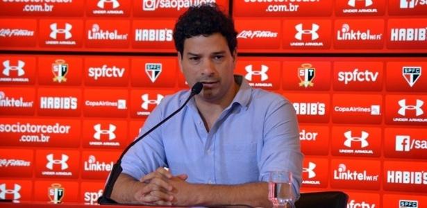 Trabalho de Gustavo Vieira de Oliveira tem sido contestado no São Paulo