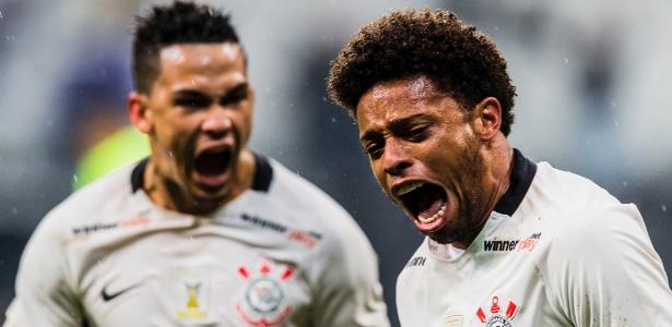 André está de volta ao time titular do Corinthians