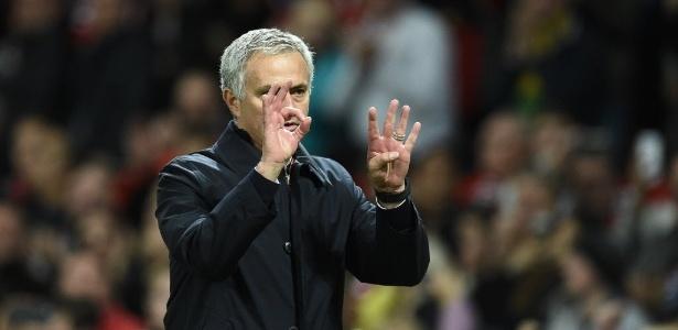 Técnico do Manchester United foi expulso na partida contra o Burnley