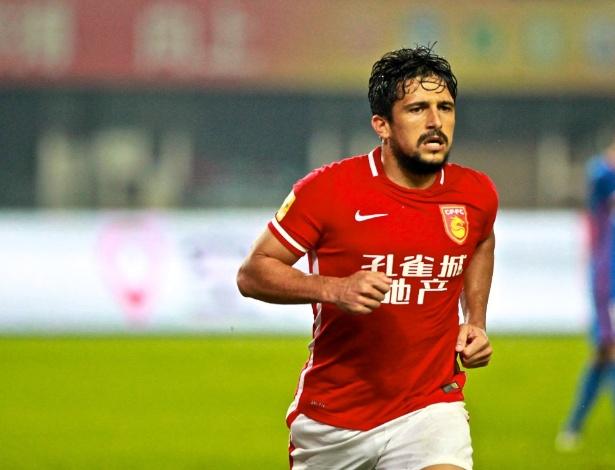 """Aloisio """"Boi Bandido"""" tem nova casa no futebol chinês"""