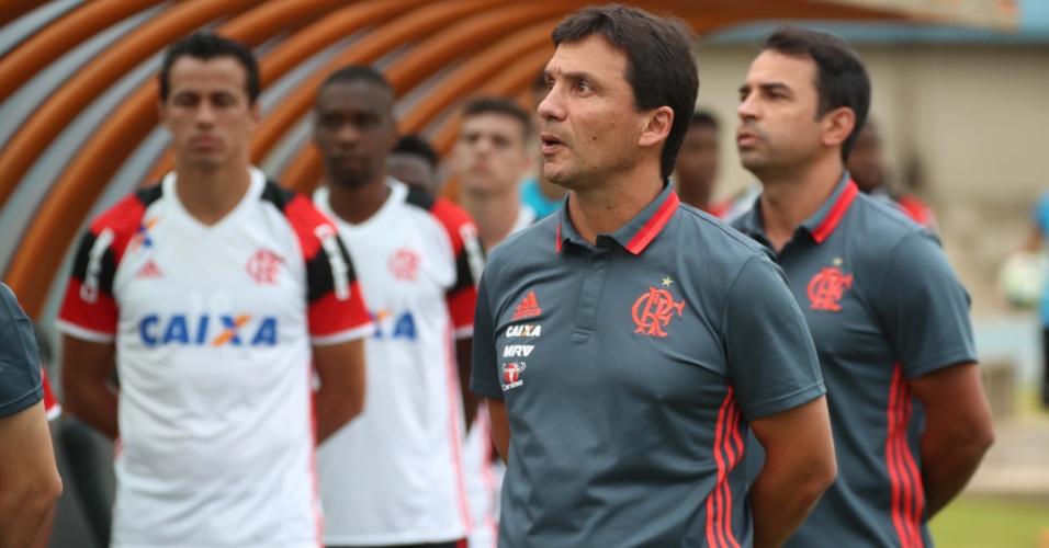 O técnico Zé Ricardo na primeira apresentação do Flamengo na temporada 2017