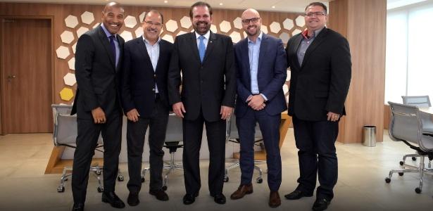 Reinaldo Carneiro Bastos (no centro da imagem) criou novo órgão na FPF