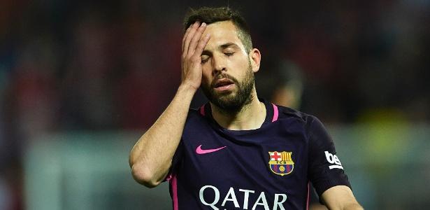 O lateral espanhol não negou que gostaria de participar de mais jogos do Barcelona