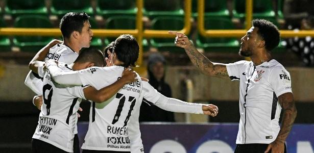 Balbuena comemora gol marcado nos acréscimos da partida
