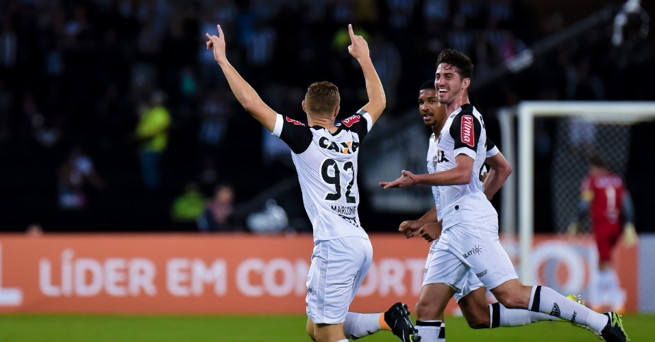 Marlone comemora o gol do Atlético-MG contra o Botafogo