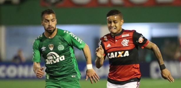 Everton se machucou na partida contra a Chapecoense pela Copa Sul-Americana
