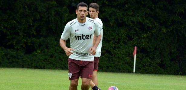 Diego Souza treinou mais recuado em atividade sem meio time titular - Érico Leonan/saopaulofc.net