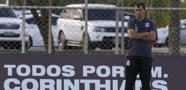 Carille conquistou três títulos em apenas 16 meses de trabalho à frente do Corinthians