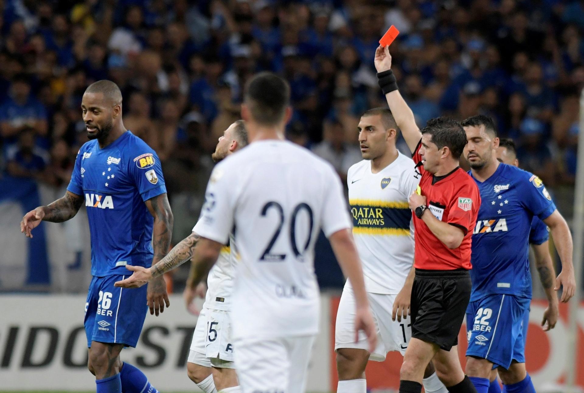 Mercado  Fla desiste de Dedé e B. Henrique e Santos negocia com ex-Barça -  14 01 2019 - UOL Esporte ac2ff3e10530d