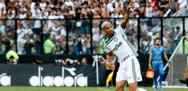 ed9e2442aa Palmeiras vence o Vasco com gol de Deyverson e é decacampeão brasileiro -  25 11 2018 - UOL Esporte