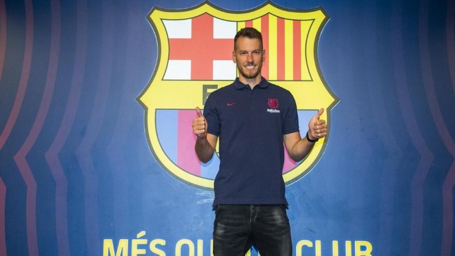 Neto estreou hoje no Barcelona - Reprodução/Twitter @FCBarcelona_es