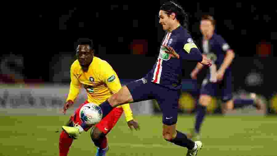Cavani durante partida entre PSG x Linas-Montlhery - REUTERS/Christian Hartmann