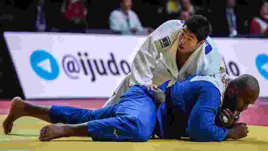 Teddy Riner perde para Kokoro Kageura, no Grand Slam de Paris - LUCAS BARIOULET/AFP