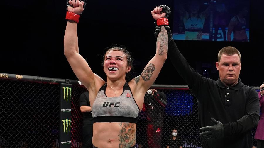 Claudia Gadelha vence no UFC - Getty Images