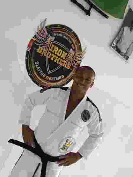Ex-atacante de Vasco, Botafogo e Inter, entre outros, Leandrão se tornou faixa preta de jiu-jitsu - Arquivo Pessoal