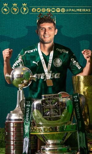Montagem? Foto de Kusevic com taças do Palmeiras vira zoeira na web