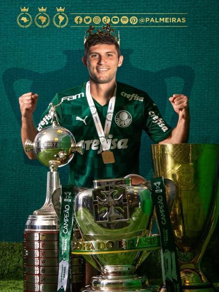 Foto de Kusevic com taças do Palmeiras vira zoeira na web - Twitter