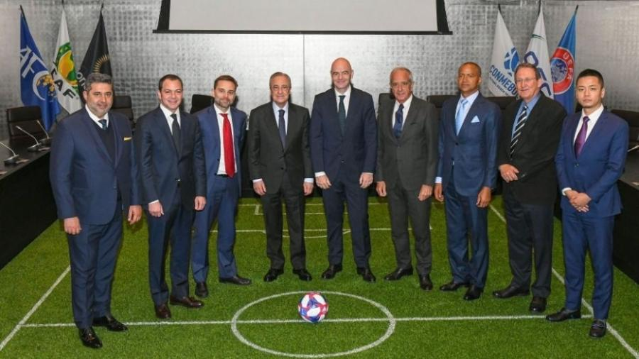 Gianni Infantino (ao centro) e presidentes de clubes após criação da Associação Mundial em 2019; Real Madrid articulou acordo - Divulgação/Real Madrid