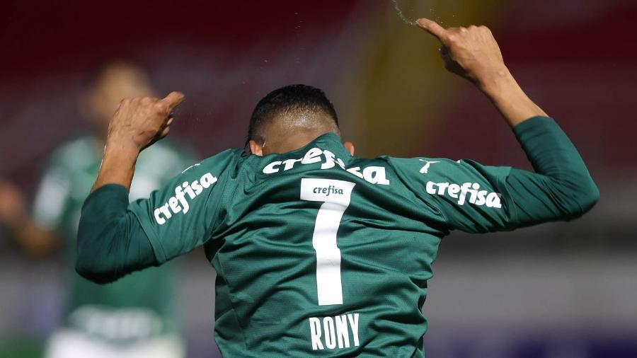 Rony, camisa 7, comemora seu gol contra Red Bull Bragantino, pelo Paulistão - Cesar Greco