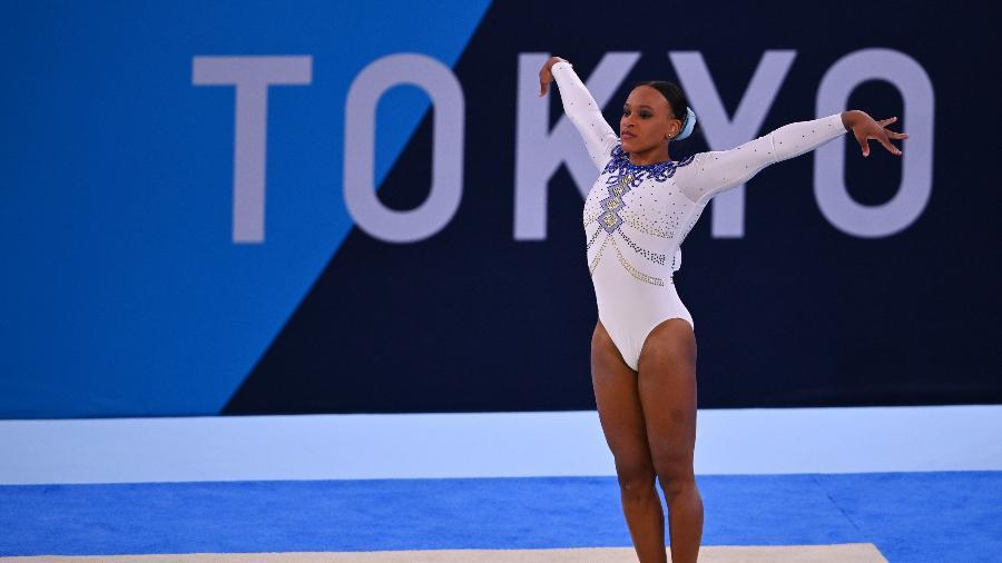 Rebeca Andrade se apresenta nas eliminatórias da ginástica artística nos Jogos Olímpicos de Tóquio - REUTERS/Dylan Martinez