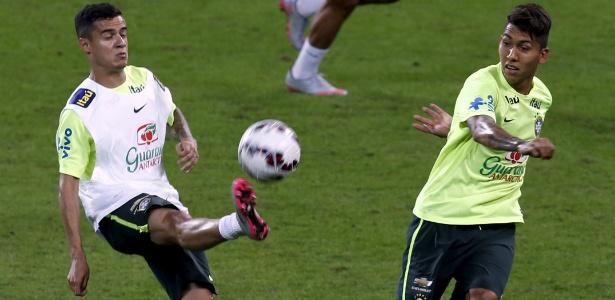 Roberto Firmino e Philippe Coutinho no treino da seleção brasileira