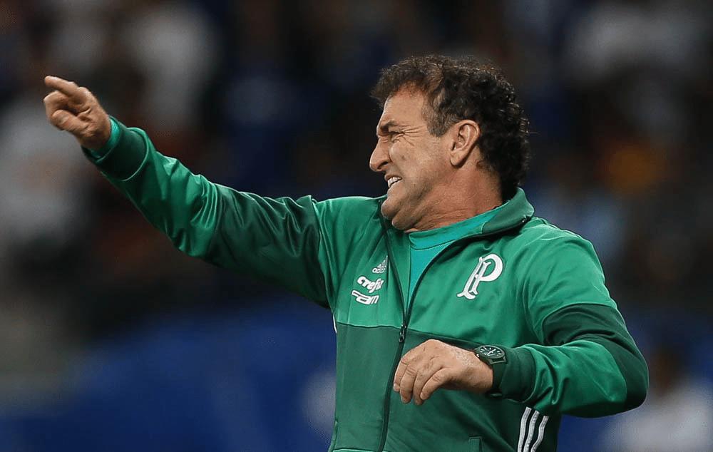 Cuca comanda o Palmeiras na derrota para o Cruzeiro por 2 a 1