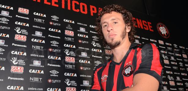 Jogador passou por empréstimo no Atlético-PR na temporada passada