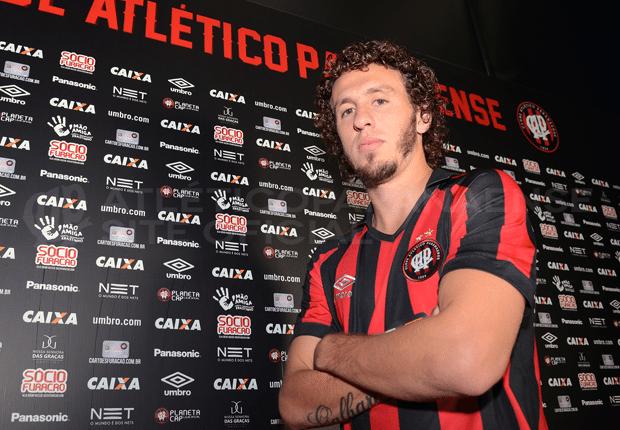 Rafael Galhardo, novo lateral do Atlético-PR