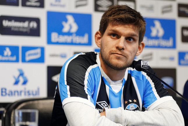 Walter Kannemann é apresentado como jogador do Grêmio