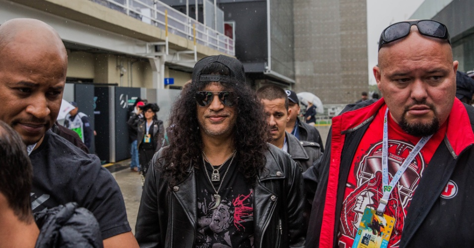 Slash, guitarrista do Guns and Roses no paddok antes do GP do Brasil