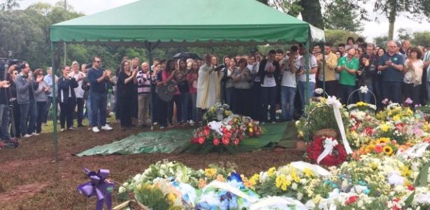 Sandro Pallaoro, presidente da Chape, é enterrado em Chapecó