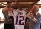 Tom Brady recebe de volta camisas furtadas em Super Bowls - Reprodução