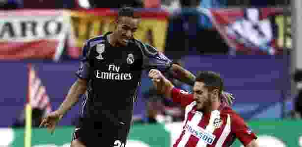 Danilo seria o provável substituto de Daniel Alves na Juventus - EFE/Mariscal