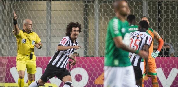 Identificado com o Internacional, Valdívia assume torcida pelo Grêmio na Libertadores