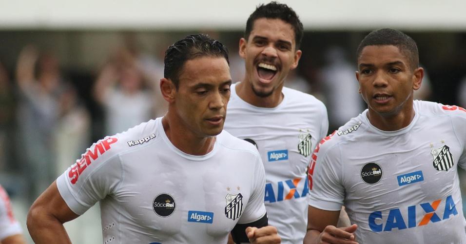 Jogadores do Santos comemoram gol marcado contra o Atlético-GO 0154d5aec0722