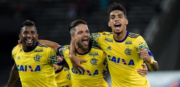 Diego comemora gol pelo Flamengo; rivais dividirão voo para Cuiabá, no fim de semana - Thiago Ribeiro/AGIF
