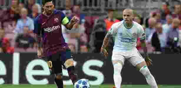 O argentino Lionel Messi em lance da partida entre Barcelona e PSV - REUTERS/Sergio Perez