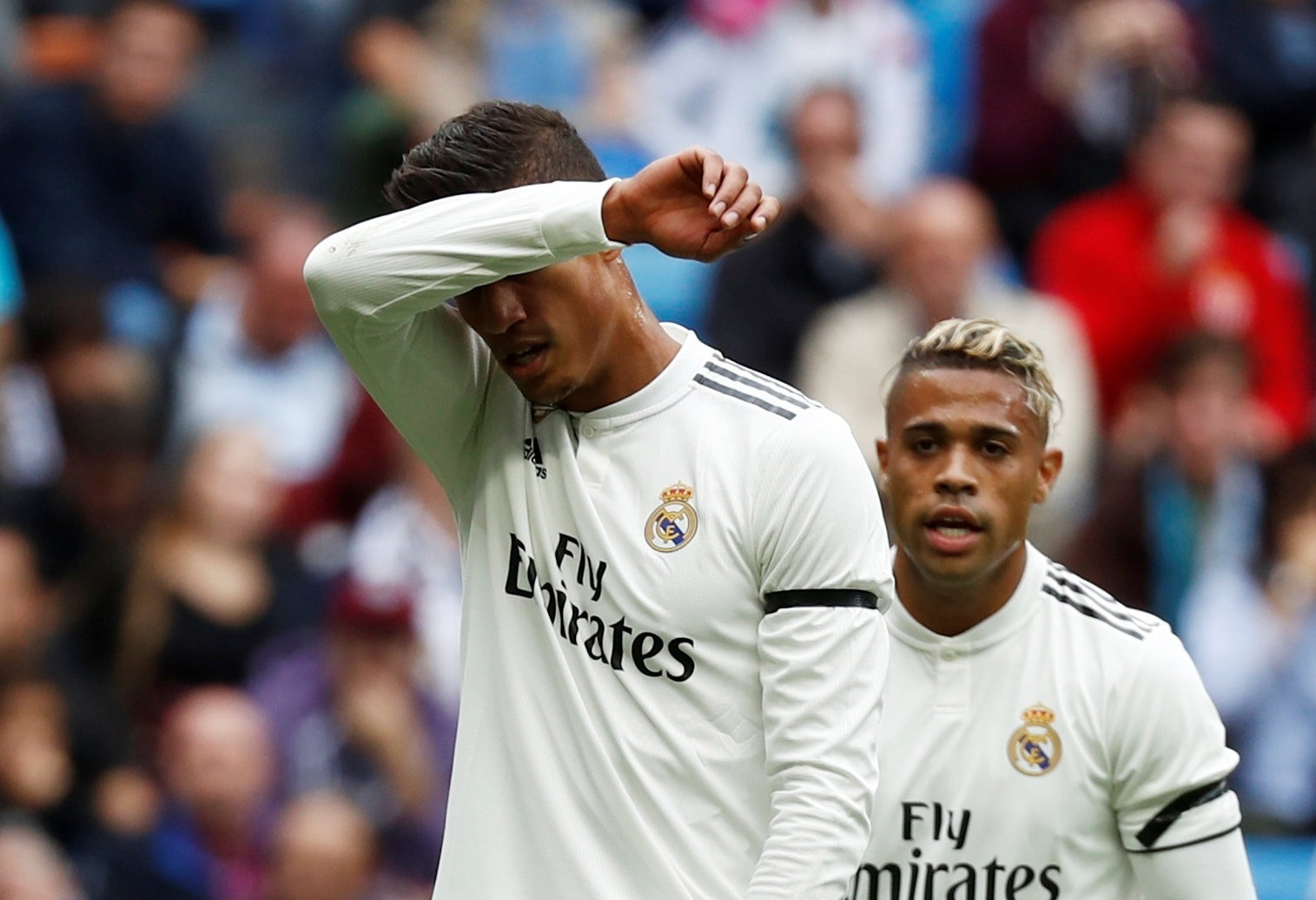 Varane se lamenta durante Real Madrid x Levante, neste sábado