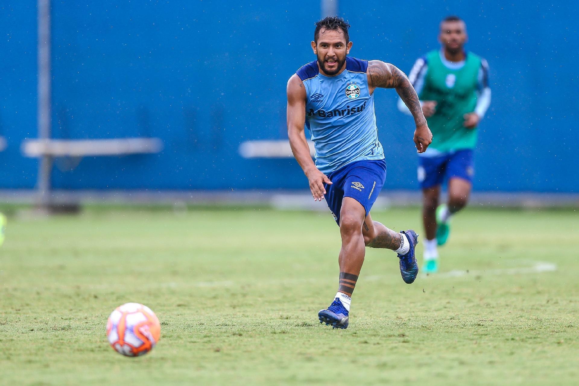 199e643179 Grêmio  Montoya se prepara para