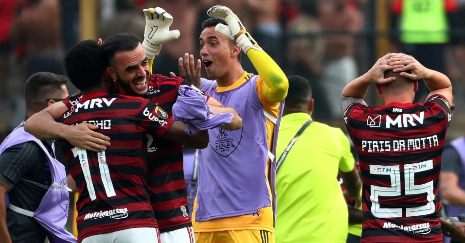 Pablo Mari e Vitinho comemoram conquista da Libertadores