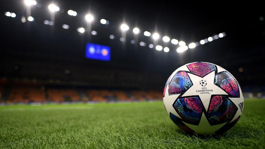 Estádio San Siro, em Milão (Itália), antes do jogo entre Atalanta e Valencia, que terminou em 4 a 1 para a equipe de Bérgamo - Daniele Mascolo/Reuters