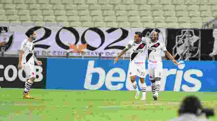 Fellipe Bastos comemora gol marcado contra o Ceará - Kely Pereira/AGIF - Kely Pereira/AGIF