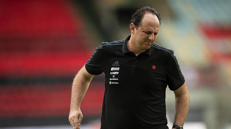 Rogério Ceni, técnico do Flamengo, durante partida contra o Ceará no Maracanã - Jorge Rodrigues/AGIF