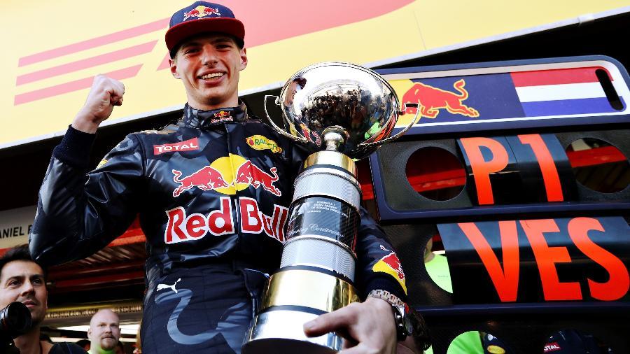 Max Verstappen celebra sua primeira vitória na Fórmula 1, no GP da Espanha de 2016 - Mark Thompson/Getty Images