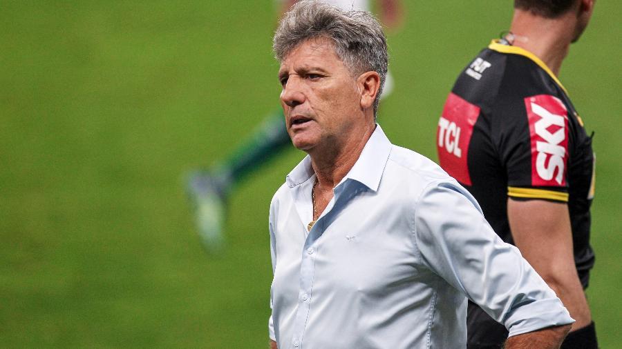 Renato Gaúcho, técnico do Grêmio, se recupera após ser diagnosticado com a covid-19 - Fernando Alves/AGIF