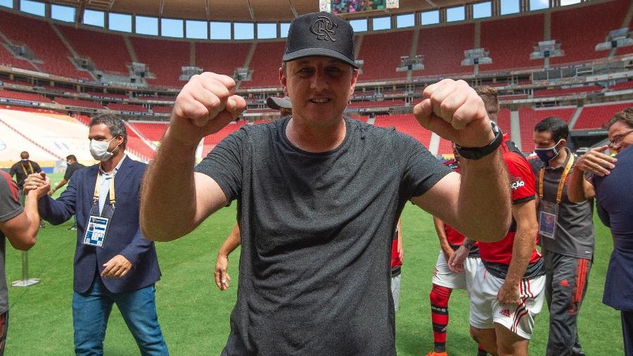 Rogério Ceni festeja título da Supercopa pelo Flamengo - Alexandre Vidal/Flamengo