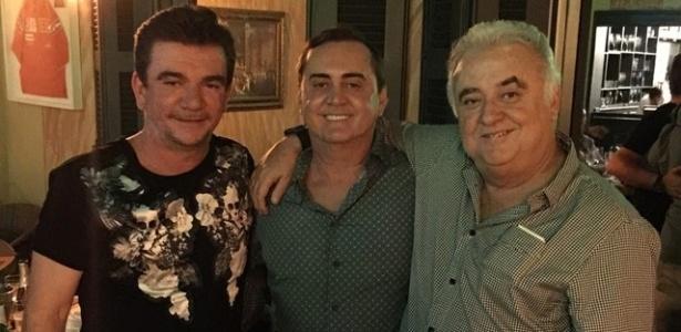 Andrés Sanchez ao lado dos irmãos Paulo (direita) e Fernando Garcia (centro)