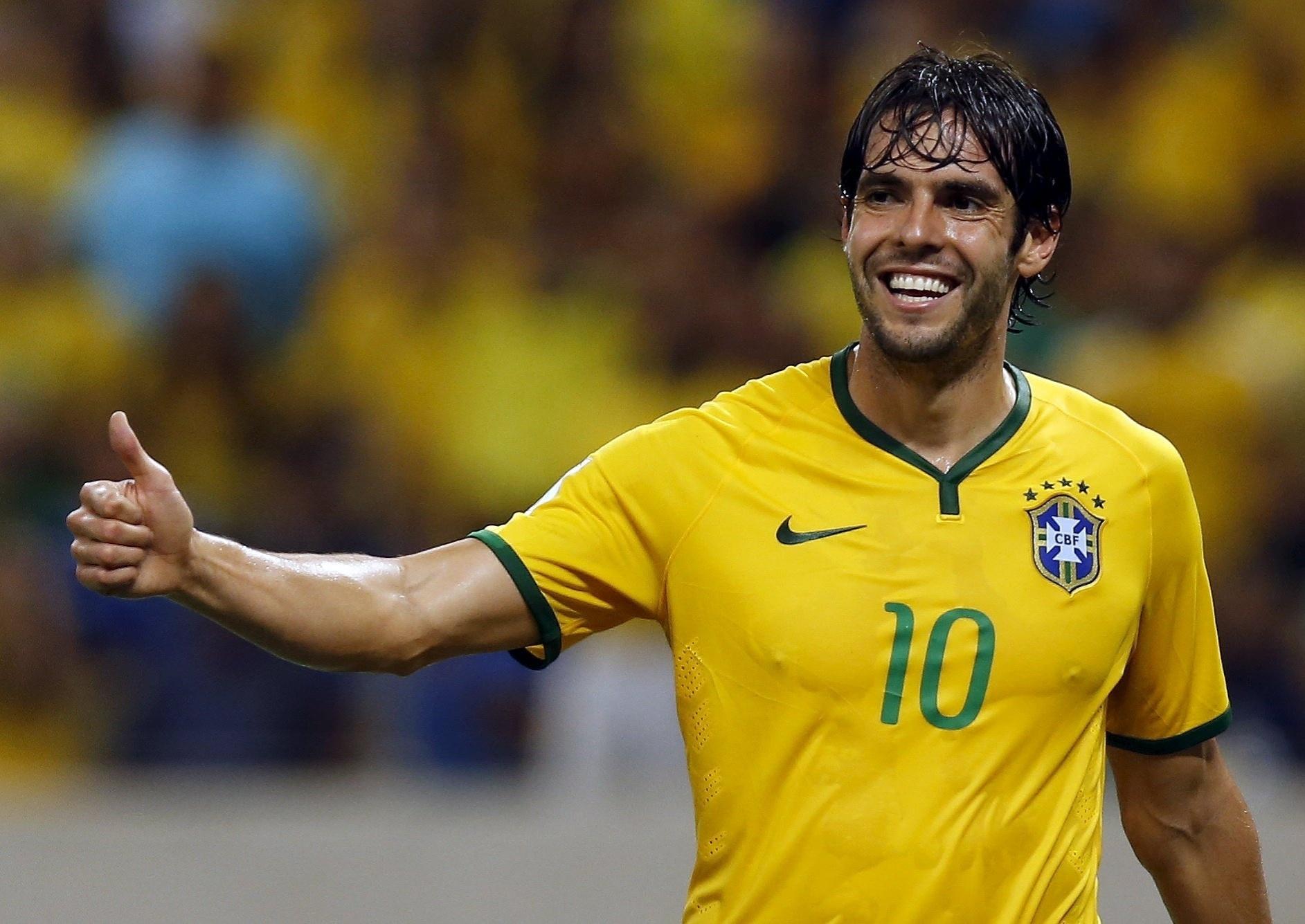 Kaká entra em campo pela seleção brasileira no lugar de Douglas Costa, na partida contra a Venezuela, pelas Eliminatórias