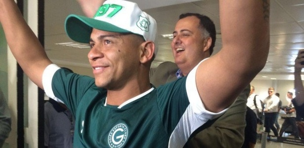 Walter se tornou ídolo do Goiás após a sua primeira passagem pelo clube