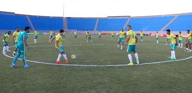 Jogadores do Palmeiras treinaram e enfrentaram o América-MG em Londrina na última rodada